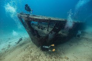 Wreck diving Cancun